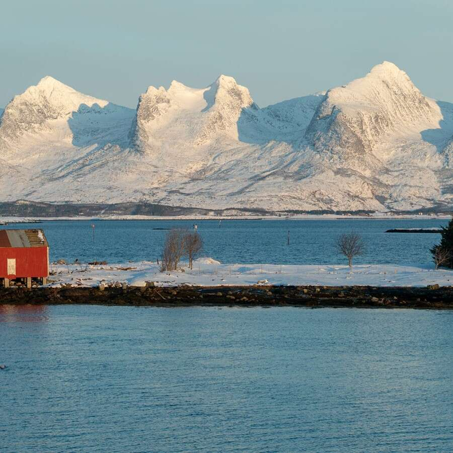 Approaching the Arctic Circle - At sea