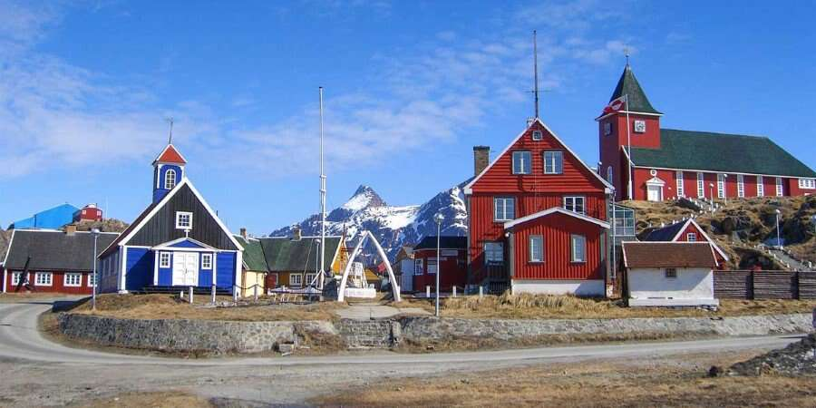 Modern Settlement with Ancient Traditions - Sisimiut - Half Day