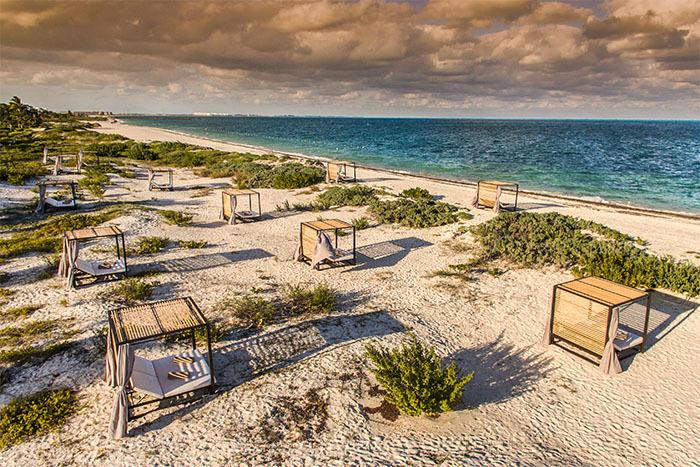 Atelier Playa Mujeres, Cancun beach