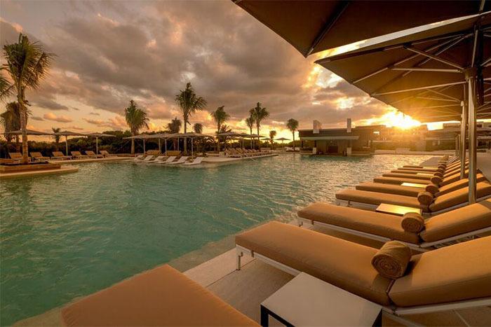 Atelier Playa Mujeres, Cancun pool