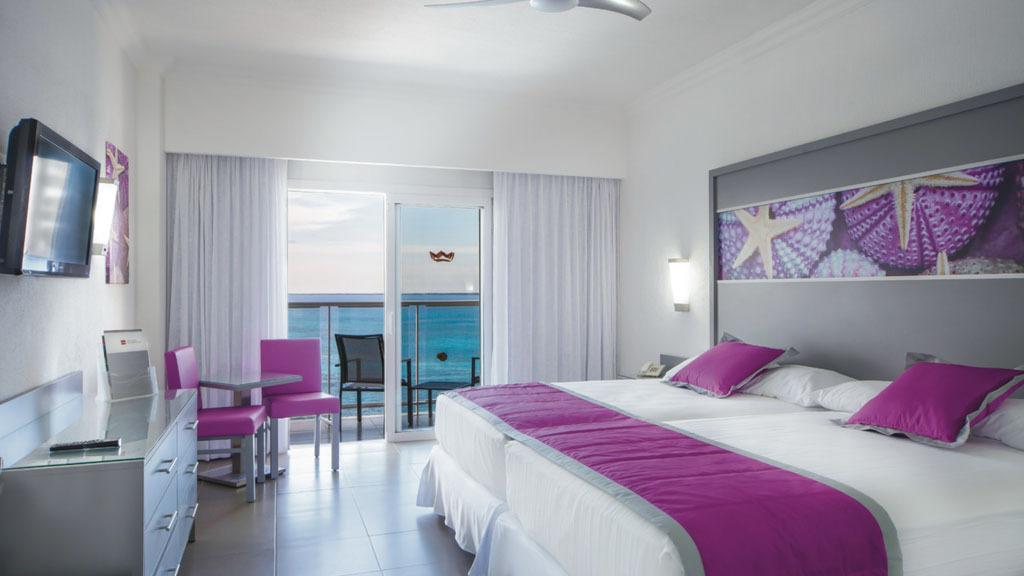 Riu Cancun bedroom