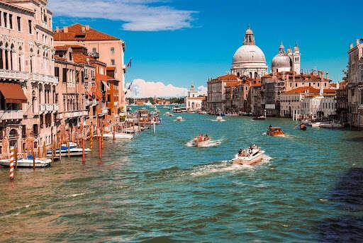 Experience La Dolce Vita: Wellness in Italy