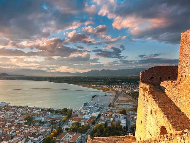 Best of Greece with 7 Day Aegean Cruise Moderate Best of Greece with 7 Day Aegean Cruise Moderate
