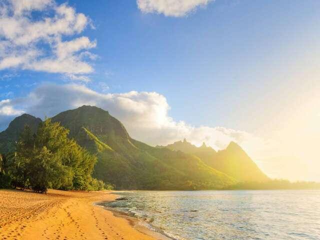 Hawaiian Explorer Premier Summer 2018