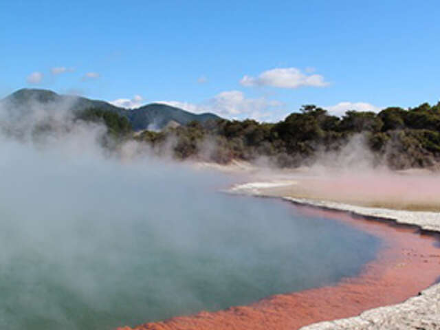 Sun & Fun Down Under with Queenstown & Rotorua