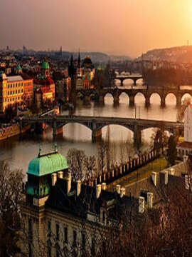 Central European Experience with 2 Nights London and 2 Nights Paris – Eastbound