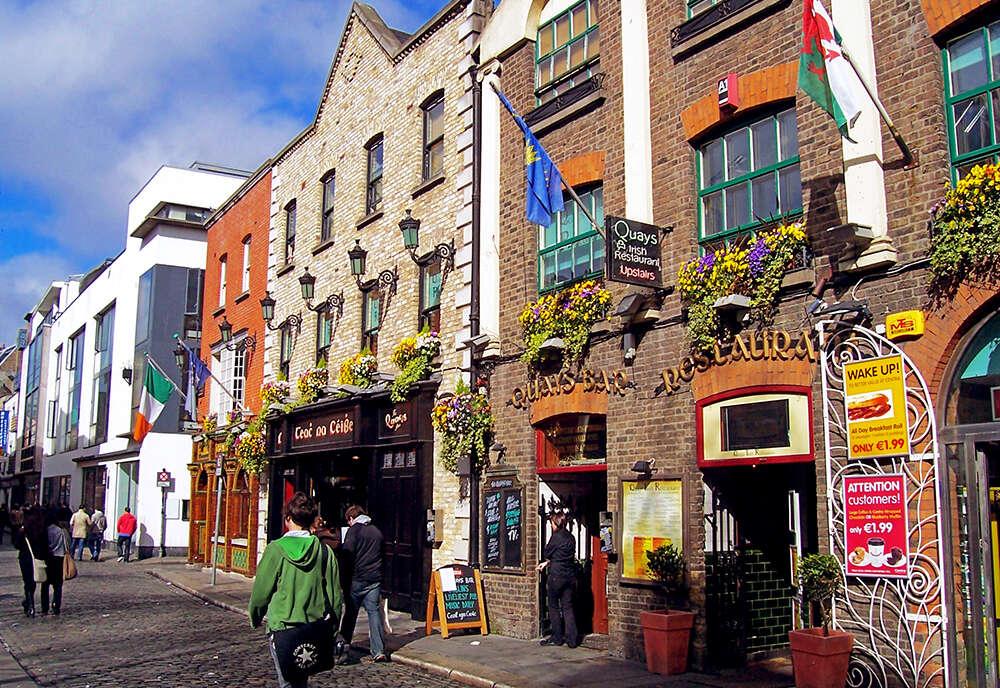 Exploring Britain & Ireland featuring England, Ireland, Scotland and Wales