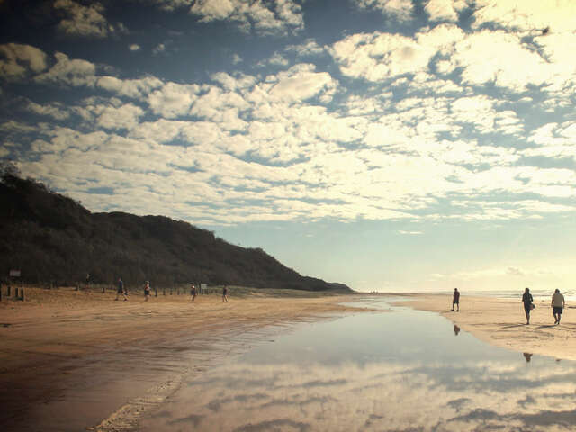 Brisbane to Cairns Experience: Sand Dunes & the Whitsundays