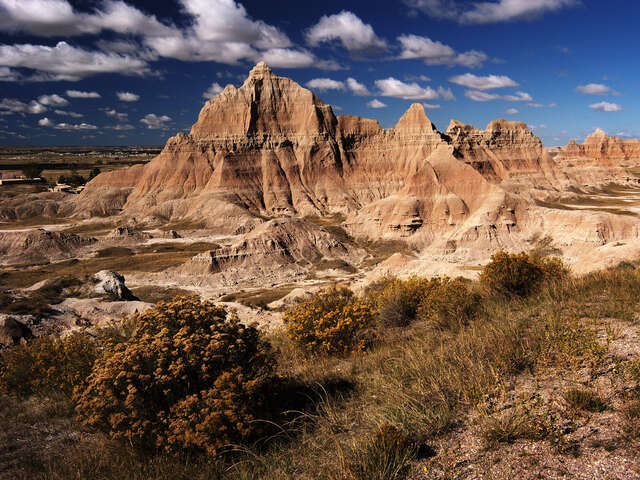 Spotlight on South Dakota featuring Mount Rushmore & The Badlands