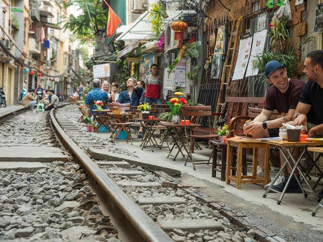 Vietnam, Laos & Thailand: Riversides & Railways